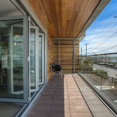 modern porch by site lines architecture inc.