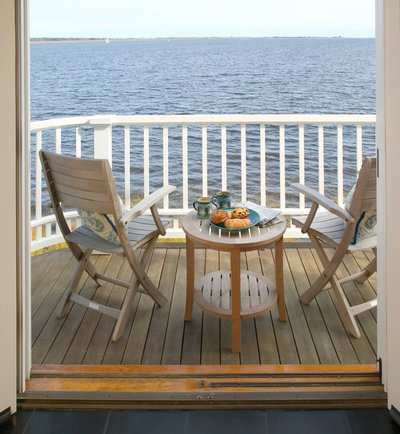 Coastal Balcony by Frank Shirley Architects