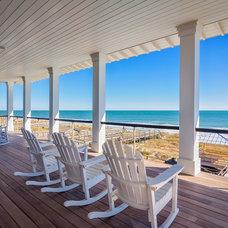 Beach Style Deck by Catalyst Architects, LLC