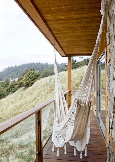 Maritim Balkon by Jessica Helgerson Interior Design