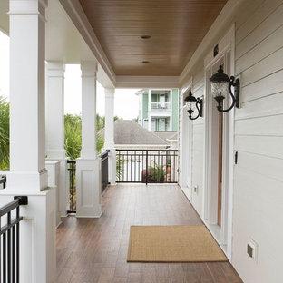 Неиссякаемый источник вдохновения для домашнего уюта: балкон и лоджия среднего размера в классическом стиле с навесом