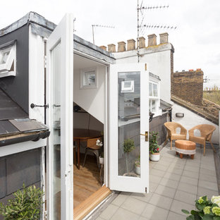 Scandi balcony in London with no cover.