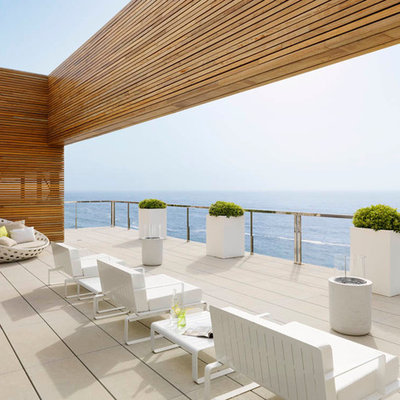 Inspiration for a large contemporary balcony remodel in Barcelona