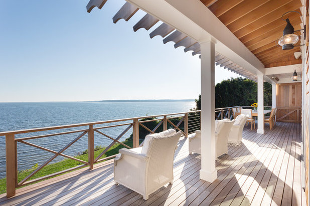 Beach Style Balcony by Blair Dibble Builder