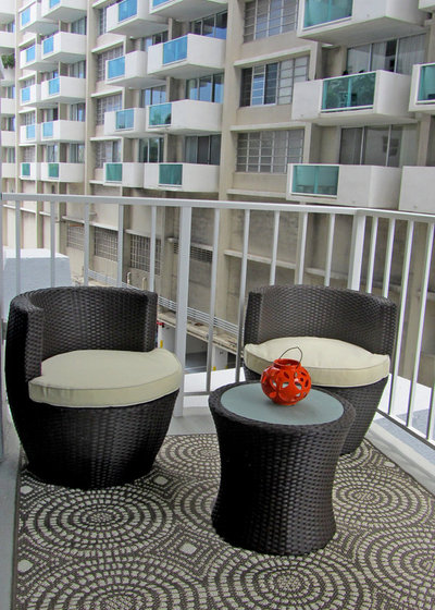 Contemporary Balcony by Giovanna Brin Home Staging