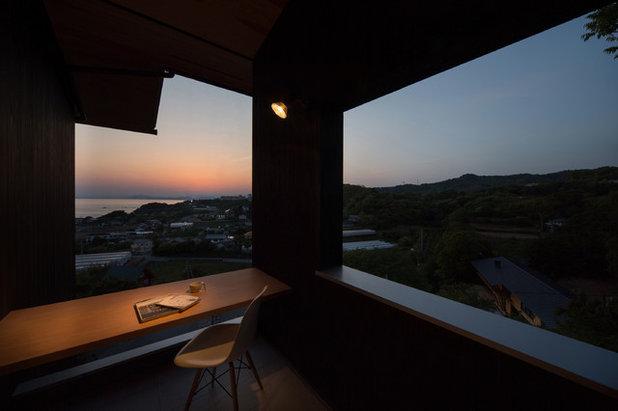 Восточный Балкон и лоджия by キリコ設計事務所