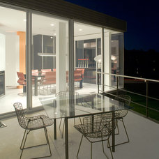 Modern Deck by Hufft Projects