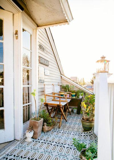 Shabby-chic Style Balcony by Faith Blakeney Design Studio