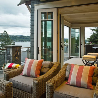 Inspiration for a timeless balcony remodel in Seattle
