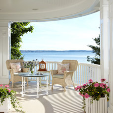 Beach Style Porch Traditional Porch