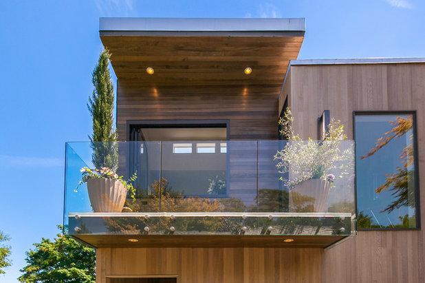Contemporary Balcony by Syltebo Wight Homes & Jon Syltebo Painting Company