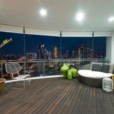 Modern Deck by TOPOS Design Studio Pte Ltd