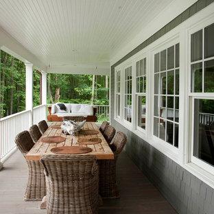 Неиссякаемый источник вдохновения для домашнего уюта: балкон и лоджия в классическом стиле с навесом