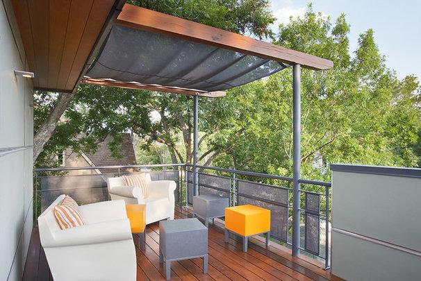Contemporary Patio by Texas Construction Company