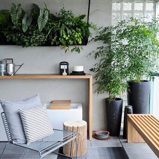 Inspiration for a contemporary balcony in Vancouver.