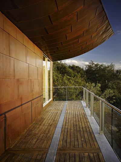 Contemporary Balcony by Winn Wittman Architecture A.I.A.