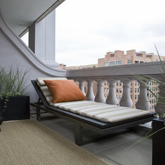 contemporary patio by Studio Santalla, Inc