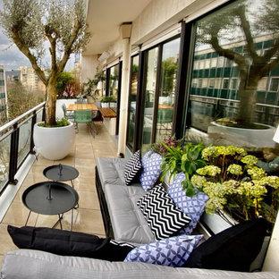 Aménagement d'un balcon à Neuilly dans un esprit bohème