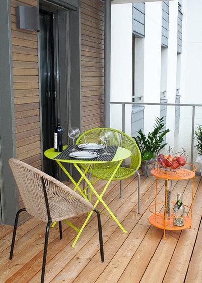 Contemporary Balcony by LAG-design