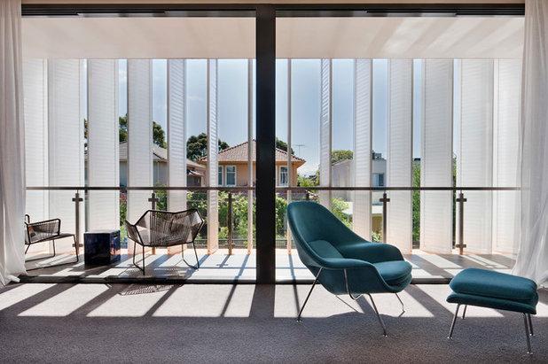 Modern Balcony by Chan Architecture Pty Ltd
