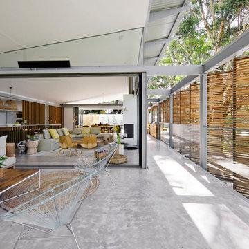 Indoor-Outdoor living - Balcony breezeway - Avoca Weekender - Avoca Beach House