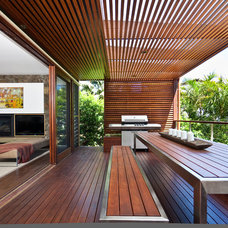 Contemporary Deck by Corben Architects