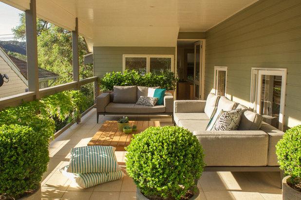 Traditional Balcony Outdoor Terrace