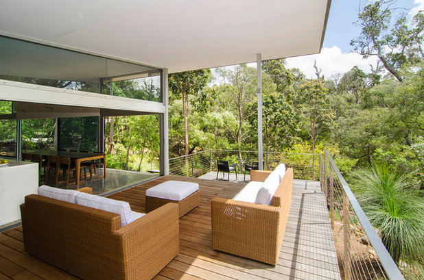 Contemporary Balcony by Rodrigues Bodycoat Architects