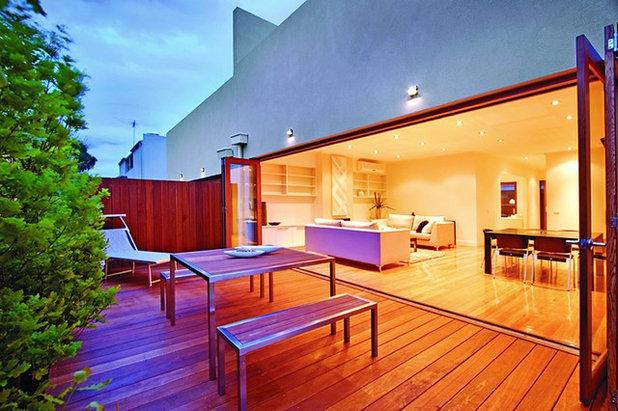Contemporary Balcony by Boral Timber