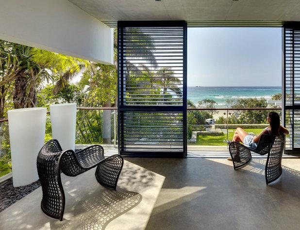 Contemporary Balcony by zaher architects