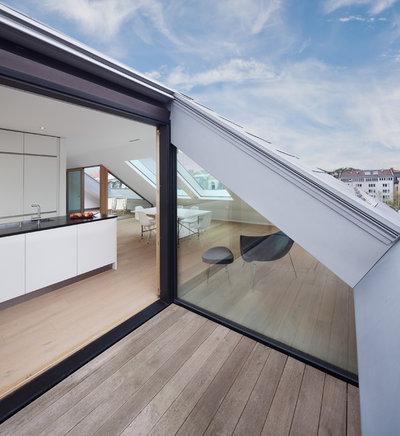 Minimalistisch Balkon by be_planen Architektur GmbH