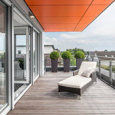 Contemporary Deck by Hilger Architekten
