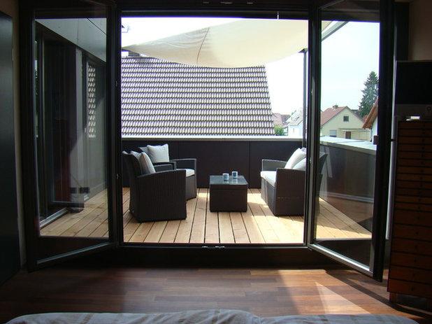 Modern Balkon by Veit C. Hunsicker Dipl. Ing _ Freier Architekt