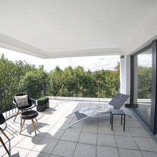 Modelo de balcones actual, grande, en anexo de casas