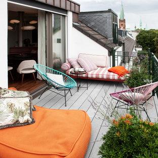 Großer, Unbedeckter Eklektischer Balkon mit Stahlgeländer in Hamburg