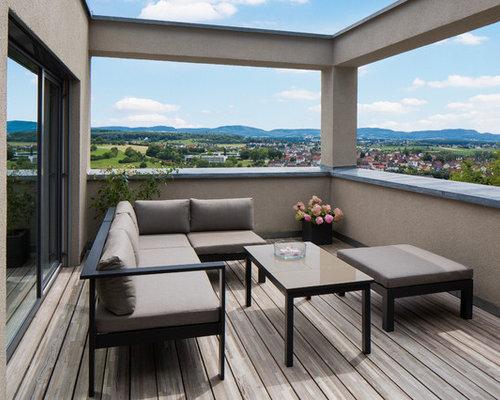 Kleine, Unbedeckte Moderne Terrasse Mit Kübelpflanzen Und Mix Geländer In  Stuttgart