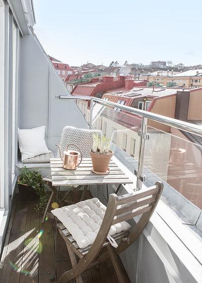 Minimalistisch Balkon by Alvhem Mäkleri & Interiör