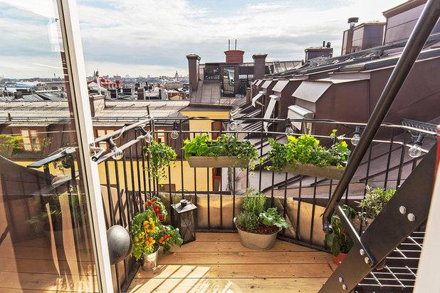 Скандинавский Балкон и лоджия by Scandinavian Homes