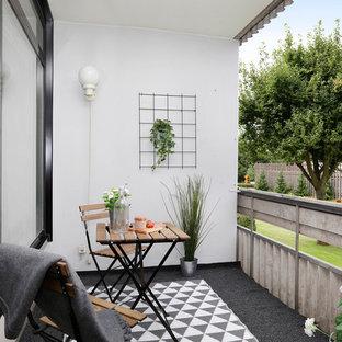 Idéer för att renovera en minimalistisk balkong, med utekrukor och takförlängning