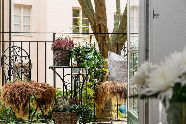 Klassisch Balkon by DREAMHOUSE decorations