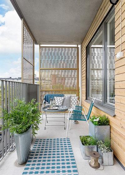 Scandinavian Balcony by MIG Design