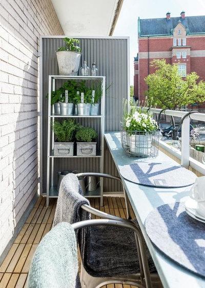 Skandinavisch Balkon by Svensk Fastighetsförmedling, Jönköping