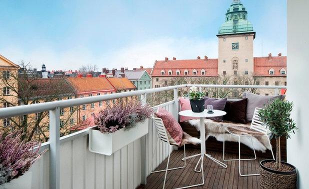 Скандинавский Балкон и лоджия by A Home 4U