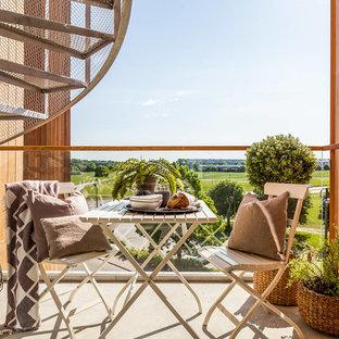 Inspiration för små medelhavsstil balkonger, med räcke i flera material