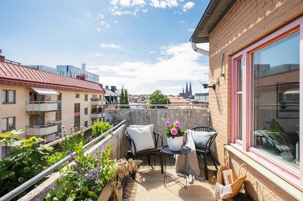 Scandinavian Balcony by coloredhome