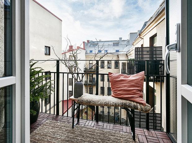Skandinavisch Balkon by Entrance Fastighetsmäkleri