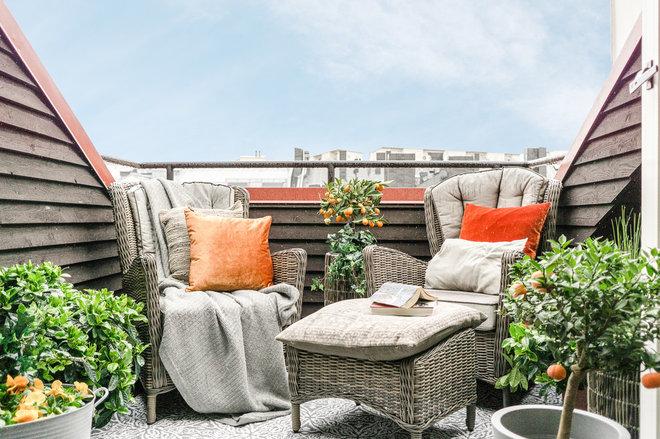 Scandinavian Balcony by CONCEPT SALTIN