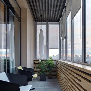 На фото: балкон и лоджия в современном стиле в квартире с