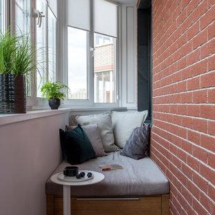 Свежая идея для дизайна: маленький балкон и лоджия в современном стиле в квартире - отличное фото интерьера
