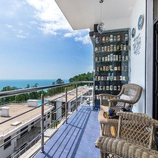 Удачное сочетание для дизайна помещения: балкон и лоджия в современном стиле с навесом и металлическими перилами - самое интересное для вас